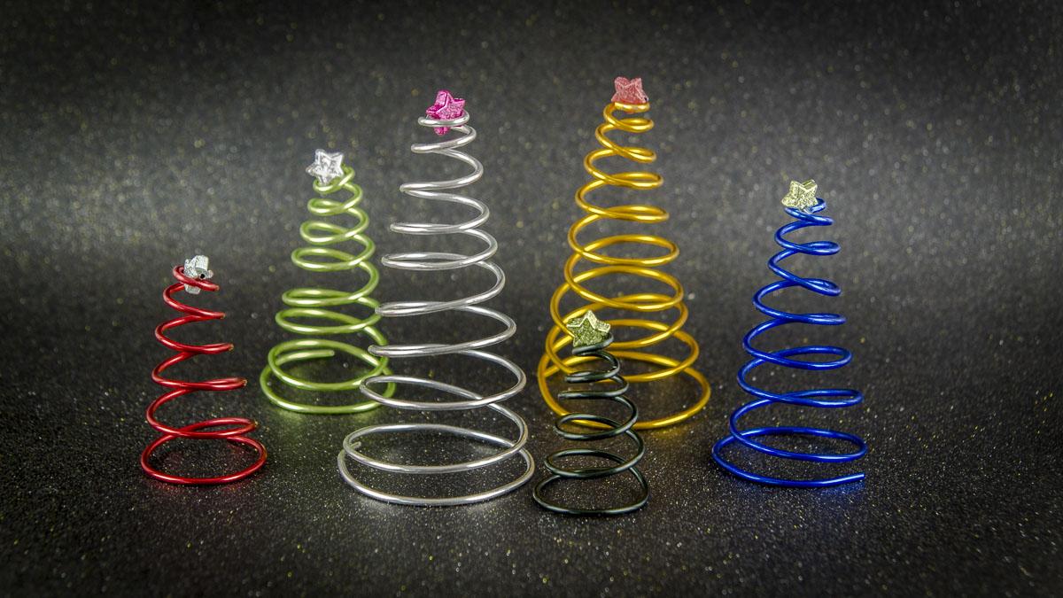 DIY Weihnachtsbaum aus Basteldraht
