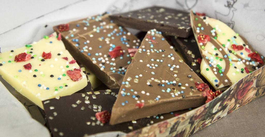 schokolade in a box zu weihnachten diy handlettering plotten. Black Bedroom Furniture Sets. Home Design Ideas