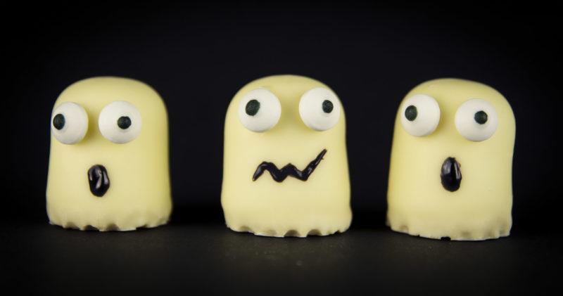 Schokokuss-Gespenster zu Halloween