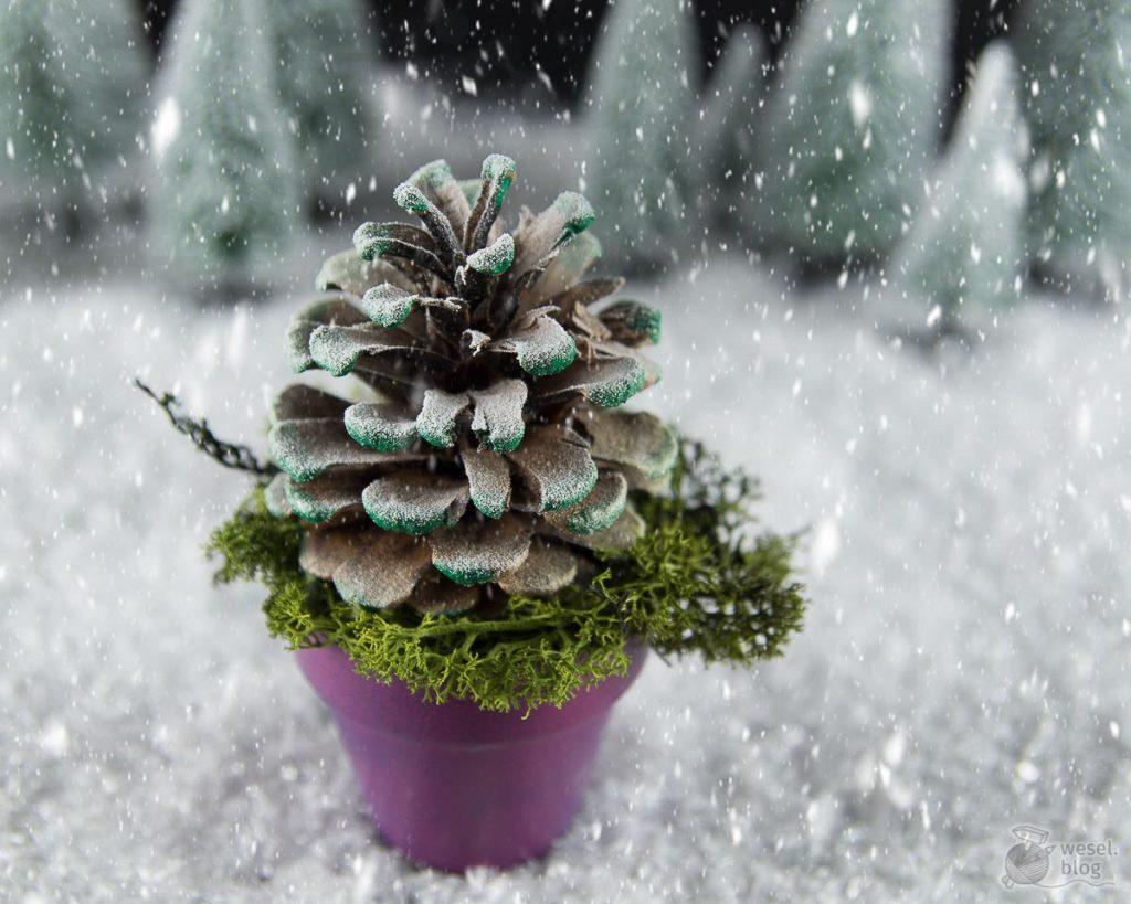 Kiefernzapfen-Weihnachtsbaum
